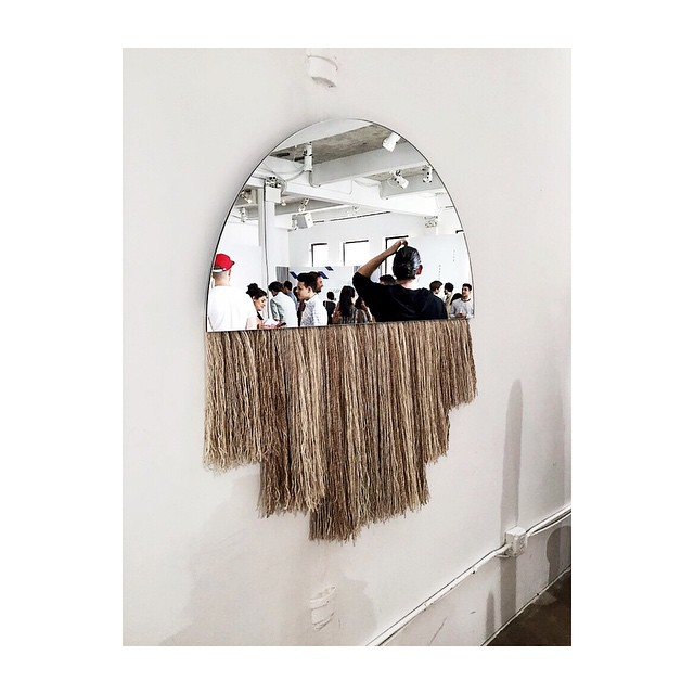 When a mirror mates with a wall hanging. #nycxdesign @benandajablanc…