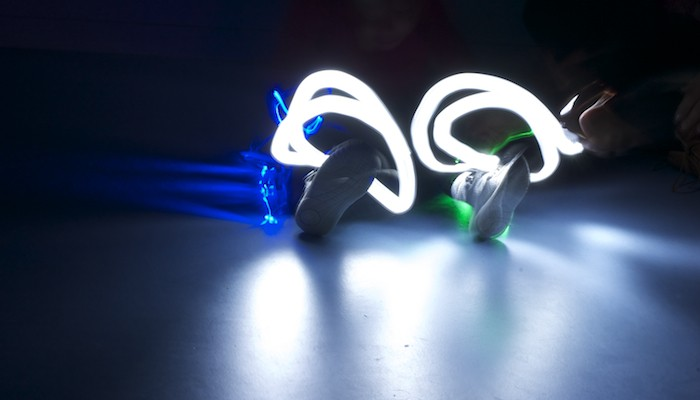 ART WITH KIDS: How to make Light Paintings.