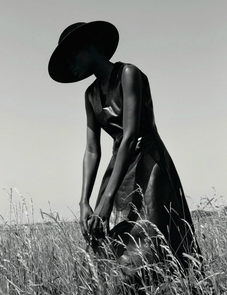 AnOther-Magazine-✪-Kinee-Diouf…-♡-stylist-Mattias-Karlsson-☛-Viviane-Sassen.-01