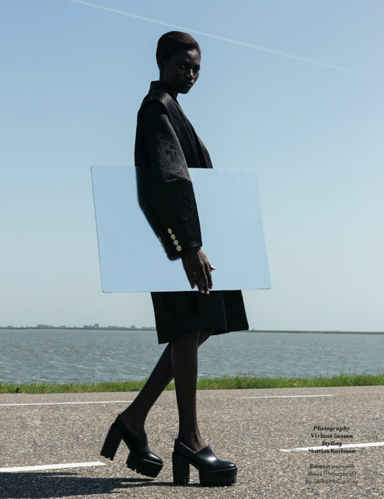 AnOther-Magazine-✪-Kinee-Diouf…-♡-stylist-Mattias-Karlsson-☛-Viviane-Sassen.-03