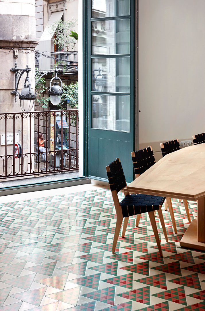 13-Carrer-Avinyo-David-Kohn-Architects-Barcelona-photo-Jose-Hevia-Blach-yatzer