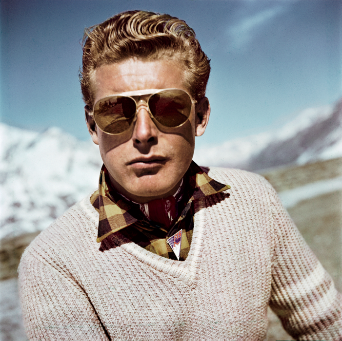 robert-capa-ski-photographs-exhibition.sw_.7.robert-capa-show-icp-ss03