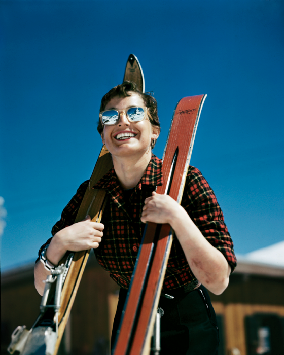 robert-capa-ski-photographs-exhibition.sw_.8.robert-capa-show-icp-ss04