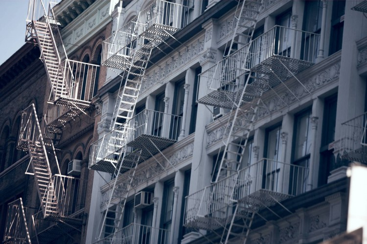 large_Editorial_Chapter_The_Apartment_Scafolding
